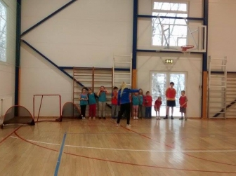 Kooliprojekt Holstres